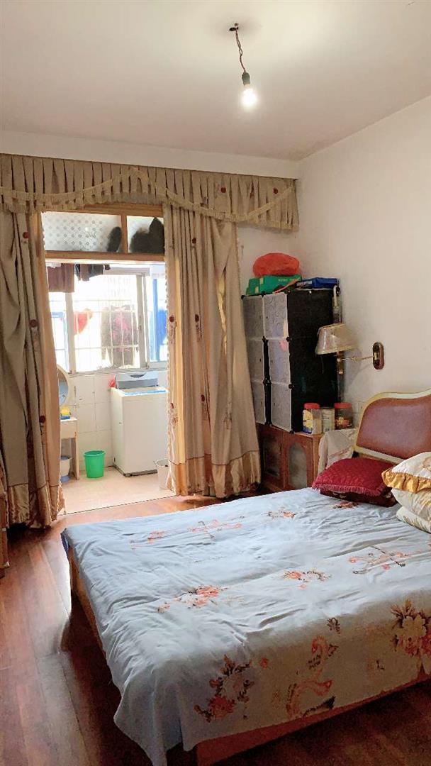 精装修温馨两室两厅太阳好