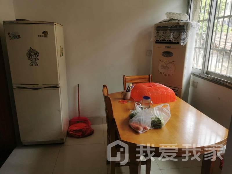 老福山花园  府井旁 两室  楼层低 送储藏室