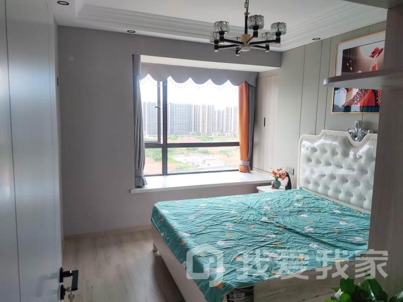 九龙湖西站瑞都精装三房,家具家电全送,拎包入住,随时看房